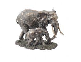 Libra Serengeti Mother And Baby Elephant